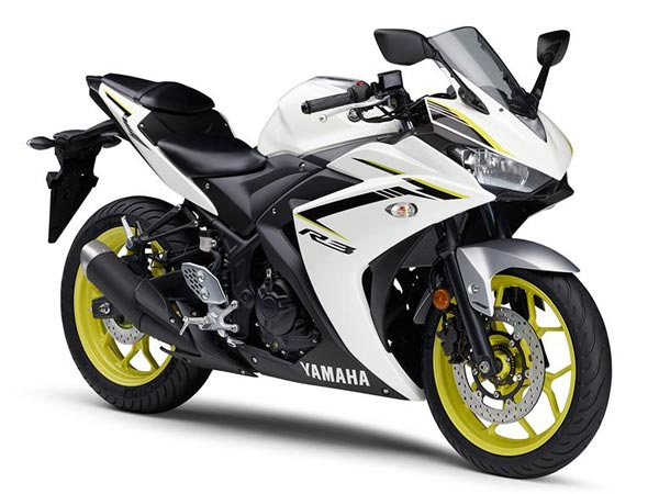 Yamaha Reveals 2018 YZF-R3 With Cosmetic Changes