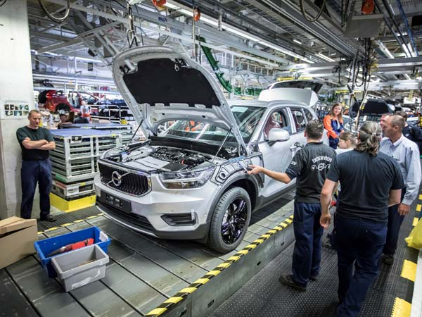New crossover Volvo XC40 got on the conveyor in Belgium
