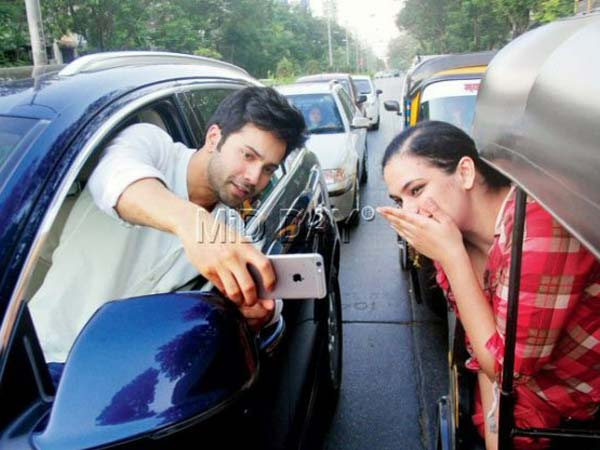 Why This selfie of Varun Dhawan makes Mumbai Police angry?
