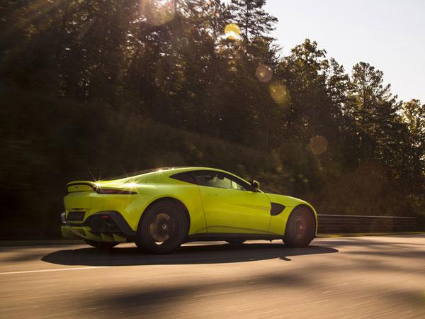 Los Angeles Auto Show Aston Martin Vantage Revealed - Aston martin los angeles
