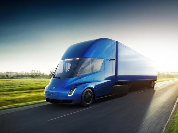 Tesla Semi-Truck Revealed: 805km Range