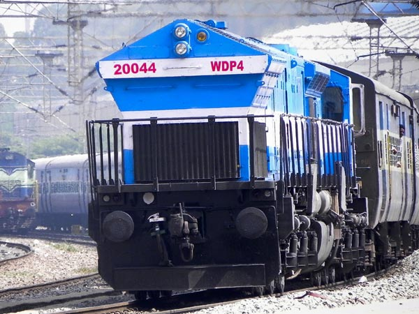 Indian Railway Locomotives To Run On Fuel-Cell Battery — Hybrid Trains For India?