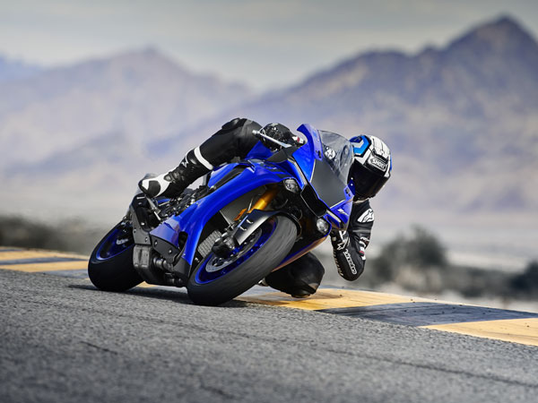 New Yamaha YZF-R1 Launched In India