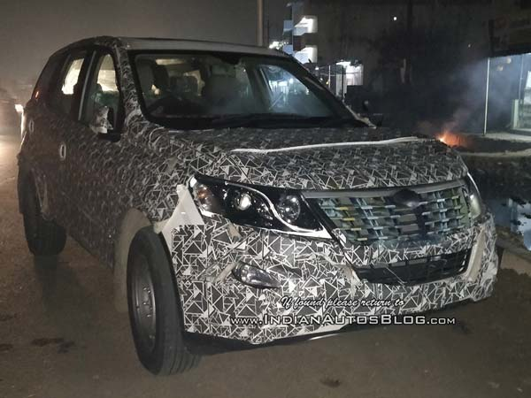 Mahindra Xuv500 Facelift Spotted Again Drivespark News