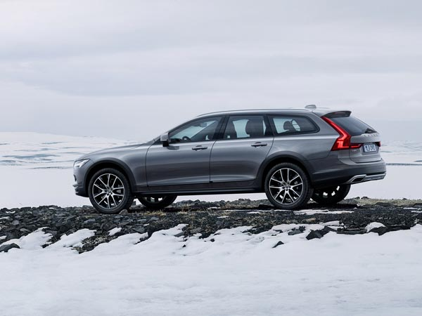 Volvo To Assemble V90 Cross Country In India Drivespark News