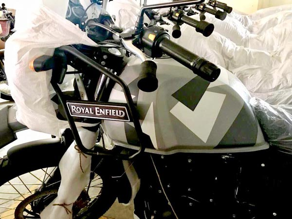 Royal Enfield Himalayan Camouflage Spotted In Dealership; India Launch Soon