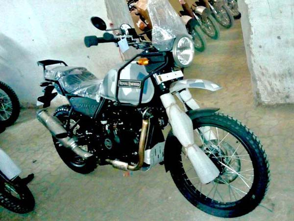 Royal Enfield Himalayan Camouflage Spotted In Dealership India