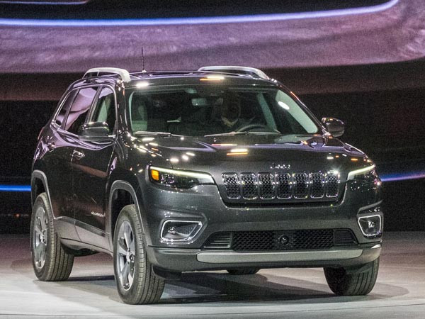 2018 Detroit Auto Show: Jeep Cherokee Facelift Revealed