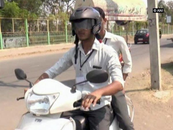 Bluetooth Helmet For Rs 1,500 — Students From Karnataka Invent Bluetooth Helmet