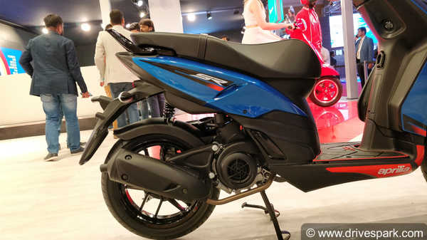 Aprilia SR 125 Top Features You Should Know: New 125cc Engine, 14-Inch Alloys, Disc Brake & MoreAprilia SR 125 Top Features You Should Know: New 125cc Engine, 14-Inch Alloys, Disc Brake & More
