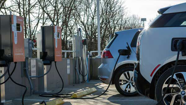 First Public Electric Vehicle Charging Station Set Up In Bangalore