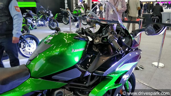 Auto Expo 2018: Kawasaki Ninja H2 SX Launched In India - Price, Specifications,Features & Images