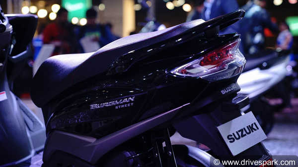 Suzuki Burgman Street Top Features: Maxi Scooter Design, LED Lights, Digital Speedometer & More