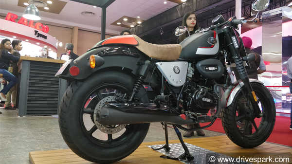 UM Renegade Duty Ace Top Features: Cafe-Racer Looks, LED Lighting, Rear Disc & More