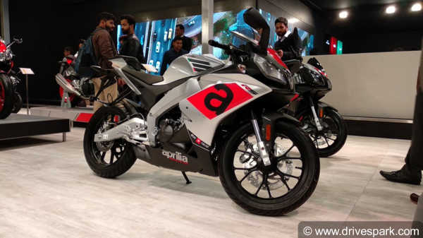 Auto Expo 2018: Aprilia Tuono And RS 150 Showcased