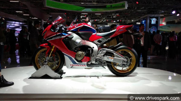 Auto Expo 2018: Honda CBR1000RR Fireblade SP Showcased