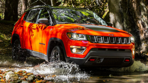 jeep compass trailhawk spied testing in mumbai expected. Black Bedroom Furniture Sets. Home Design Ideas