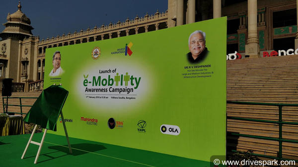Mahindra Electric Delivers First Batch Of 50 eVerito Electric Vehicles