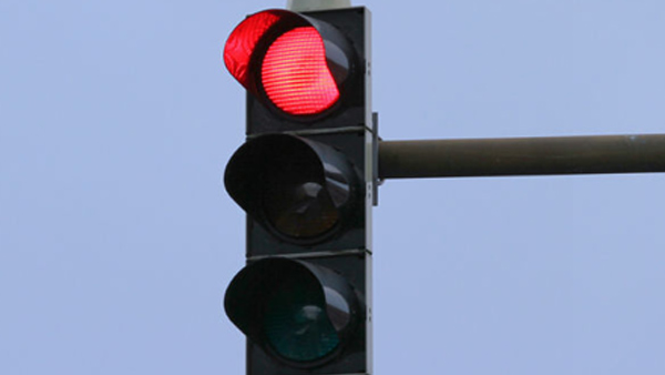 Neutral Or First Gear At Traffic Signals? — We Explain
