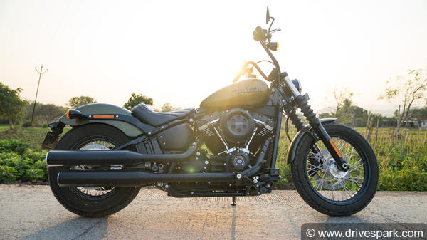 2018 harley davidson street bob review a badass power. Black Bedroom Furniture Sets. Home Design Ideas