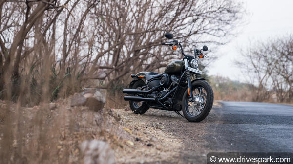 2018 Harley Davidson Street Bob Review - A Badass Power-Packed Solo