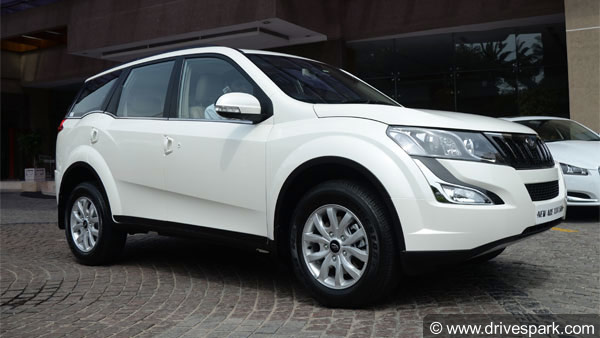 Mahindra XUV500 Facelift Caught Undisguised; Launch Expected Soon