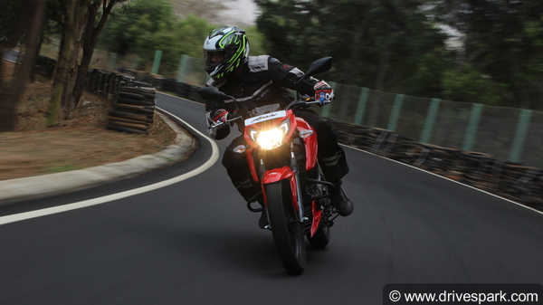 TVS Apache RTR 160 4V Review — A True Entry-Level Race Machine