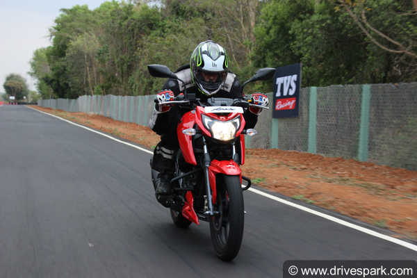 Tvs Apache Rtr  V Top Speed Mileage Acceleration Fuel Capacity