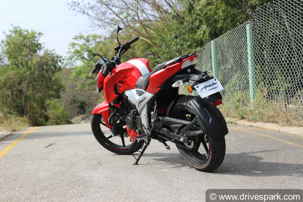 TVS Apache RTR 160 4V Review — A True Entry-Level Race