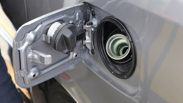 Water In The Fuel Tank Of Your Car? — Here Are The Problems