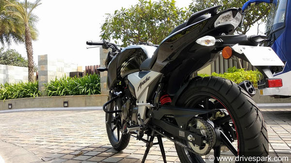 TVS Apache RTR 160 Top Features: Race-Derived Chassis, Digital Speedometer, Pirelli Tyres & More