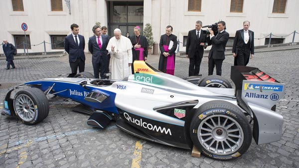 Pope Blesses Formula E Car & Drivers Ahead Of Rome E-Prix