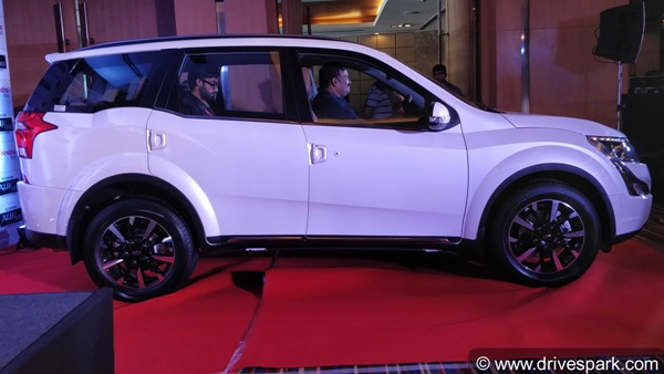 2018 Mahindra Xuv 500 Variants In Detail Price Specifications