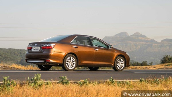 Toyota Camry Hybrid Might Be Discontinued In India