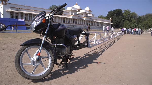 This Bajaj Discover Is The Longest Motorcycle In The World