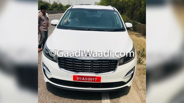 Kia Grand Carnival Mpv Spotted Testing In India Drivespark News