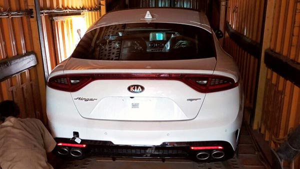 Kia Stinger Gt S Spotted In Chennai Kia Motors Considering An India Launch Of The Stinger Gt Drivespark News