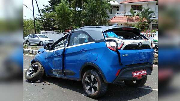 Speeding Tata Nexon Hits An Electric Pole; Passengers Escape Accident Unhurt