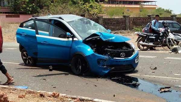 Speeding Tata Nexon Accident: Hits An Electric Pole — Passengers Escape Unhurt