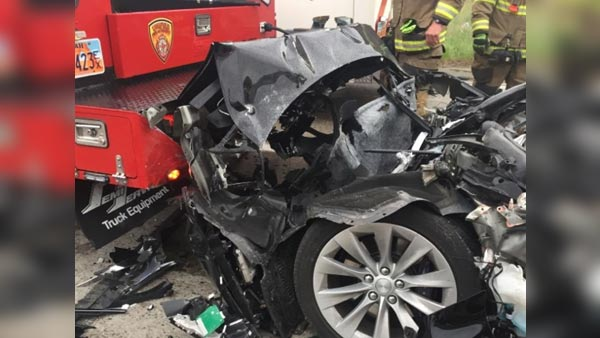 A Tesla Model S Crashes Into A Fire Engine: The Latest Tesla Model S Accident Took Place In South Jordan