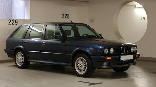 The BMW E30 3 Series 318i — A Fine Example Of A Restored Driver's Car In India