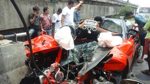 Ferrari Crashed In Kolkata: Driver Dead, Passenger Severely Injured