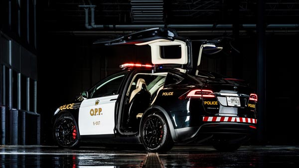 Swiss Police Gets Tesla Model X SUV; Replaces Old Diesel Police Cars