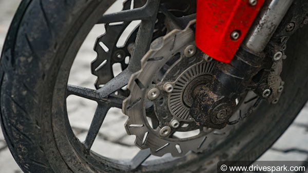 Disc Brakes Vs Drum Brakes: Which Is Better For Your Bike?