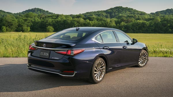 New Lexus ES 300h Launched In India; Priced At Rs 59.13 Lakh