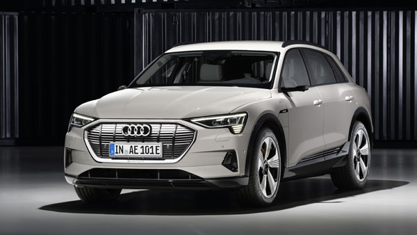 850 Intel Drones Create Futuristic Reveal For Audi e-Tron
