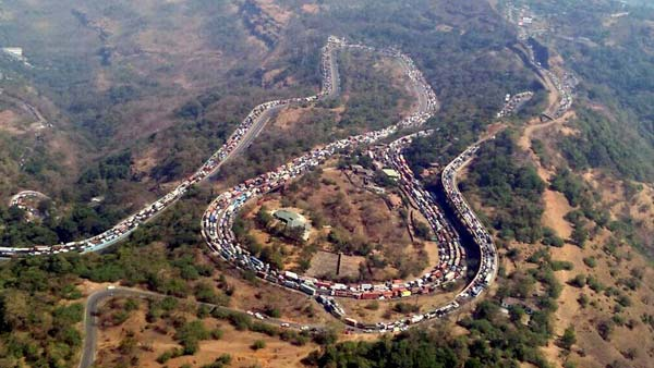 Seat Belts Mandatory On Mumbai-Pune Expressway — Applies To Rear Passengers Too