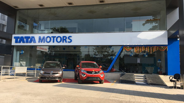 Tata Motors Dealer Sold Old Car As New - Court Orders To Provide A New Car