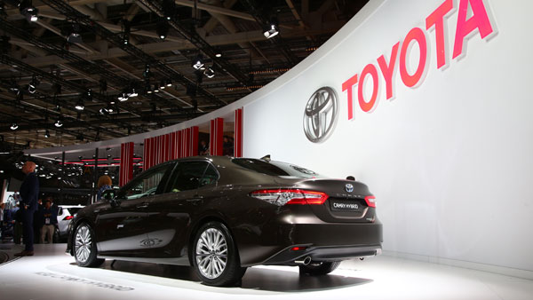 2018 Paris Motor Show: New Toyota Camry Hybrid Showcased — Cleaner And Smarter
