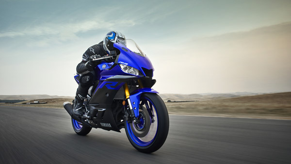 2019 Yamaha YZF-R3 Revealed – Gets LED Headlights And Digital Instrument Cluster
